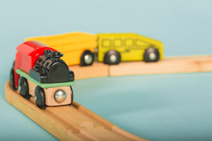 Jeu de petit train en bois